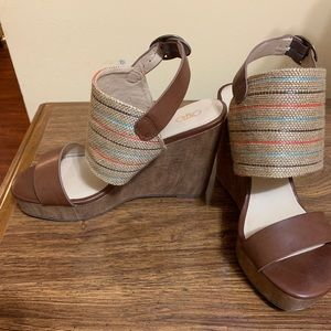 Cute Wedges From Cato